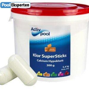 Klor SuperSticks er langsomopløseligt klor til vandbehandling af pools
