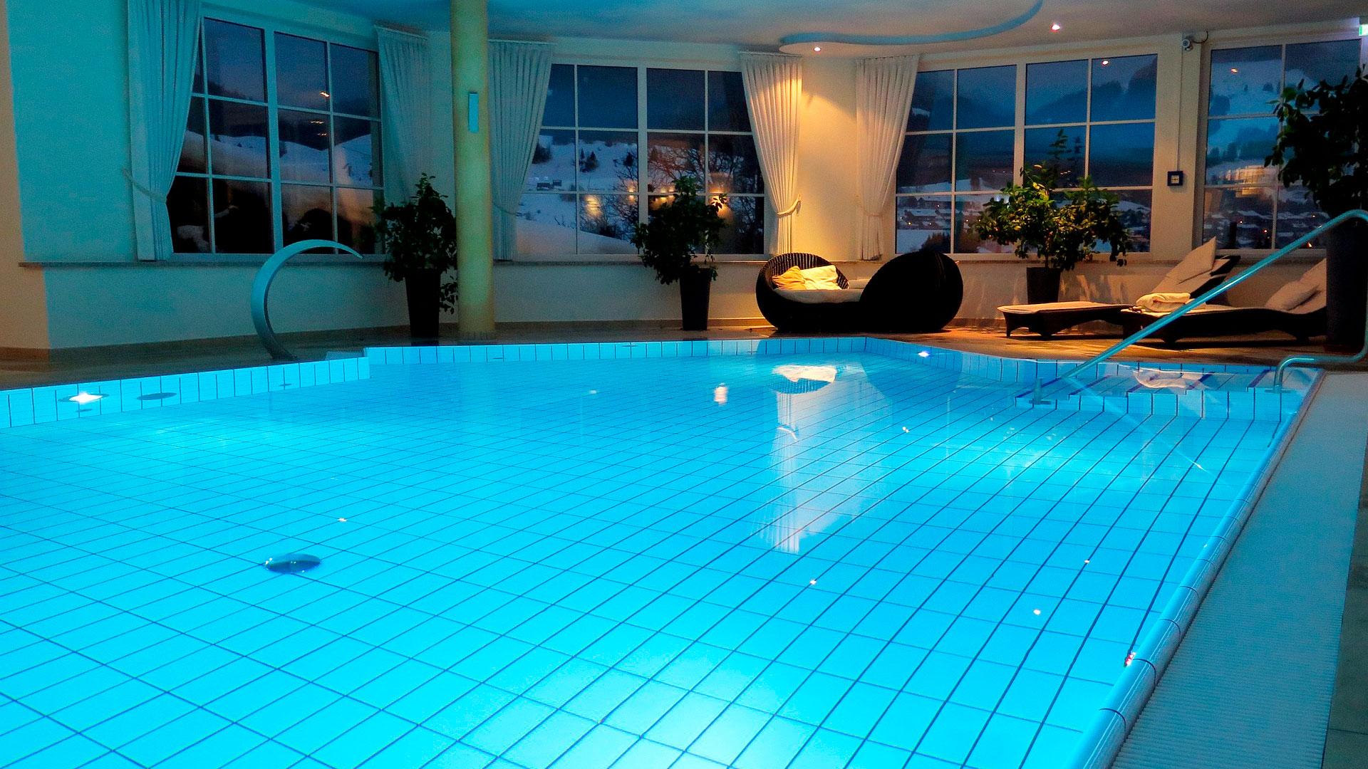 Beton pool eller støbt pool er en god løsning, hvis du har specielle ønsker til dybde i din pool