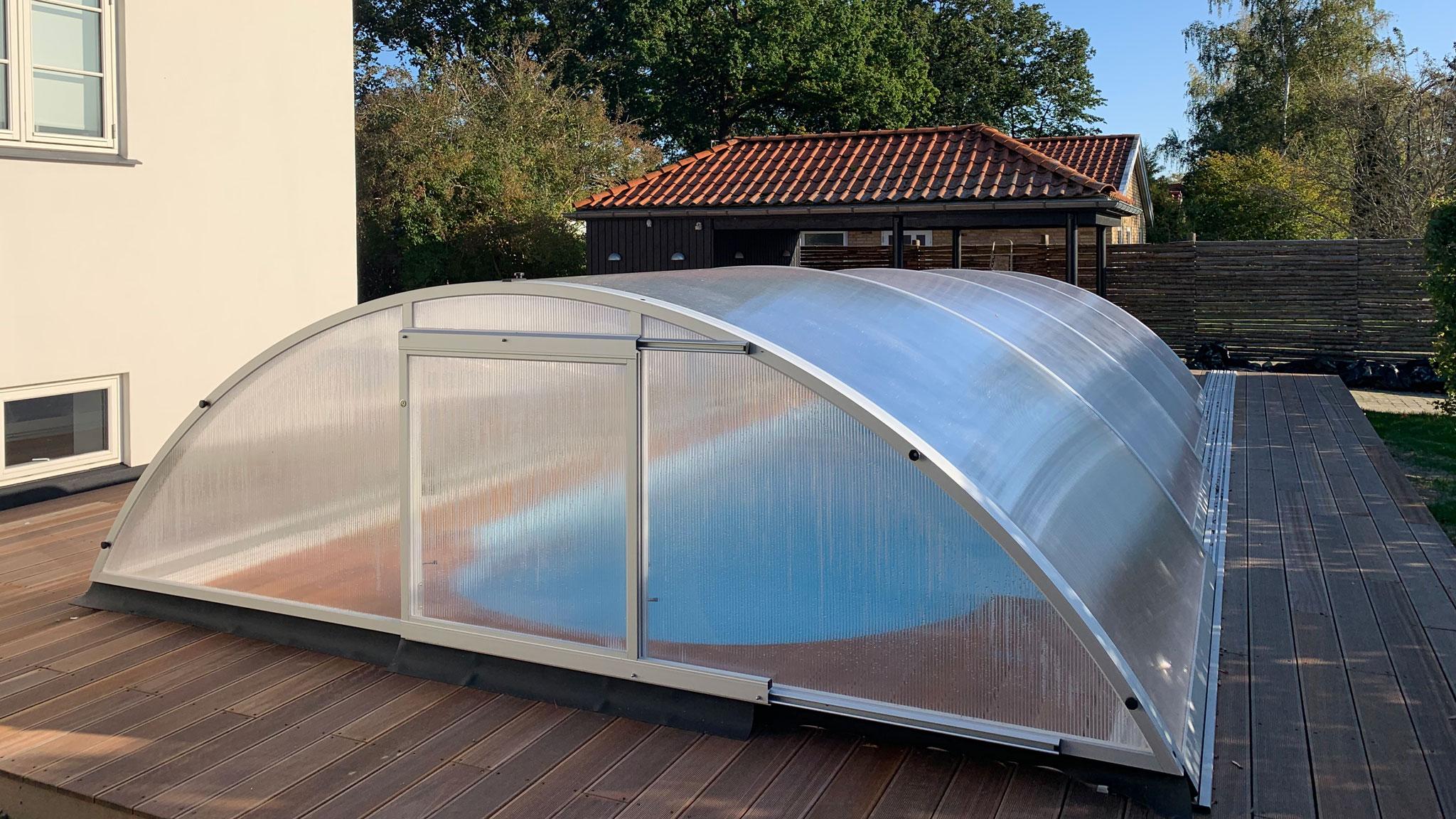 Overdækning med pooltag til glasfiber pool